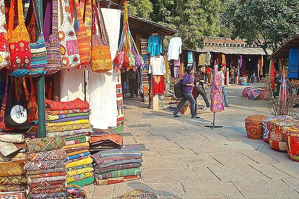 5 fun to shop Street Markets in India - The Square Times