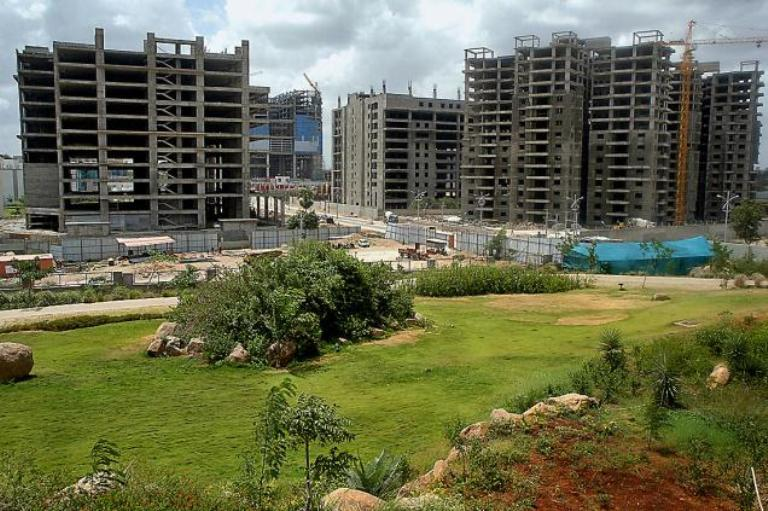 mixed-trends-observed-in-hyderabad-real-estate.jpg