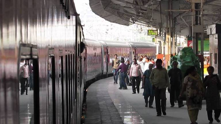railway-stations-to-be-facelifted-by-leading-real-estate-companies.jpg