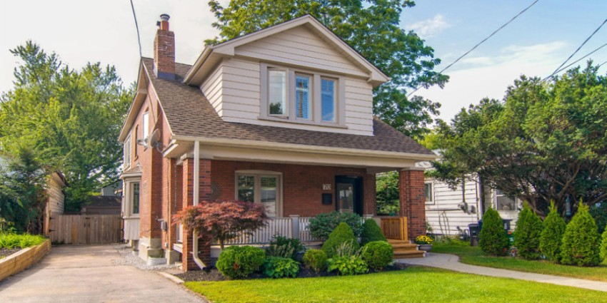 detached-homes-fall-below-$1-million-mark-in-toronto.jpg