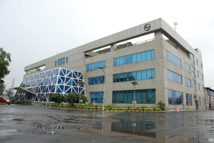 navi-mumbai-becomes-key-commercial-hub-in-india.jpg