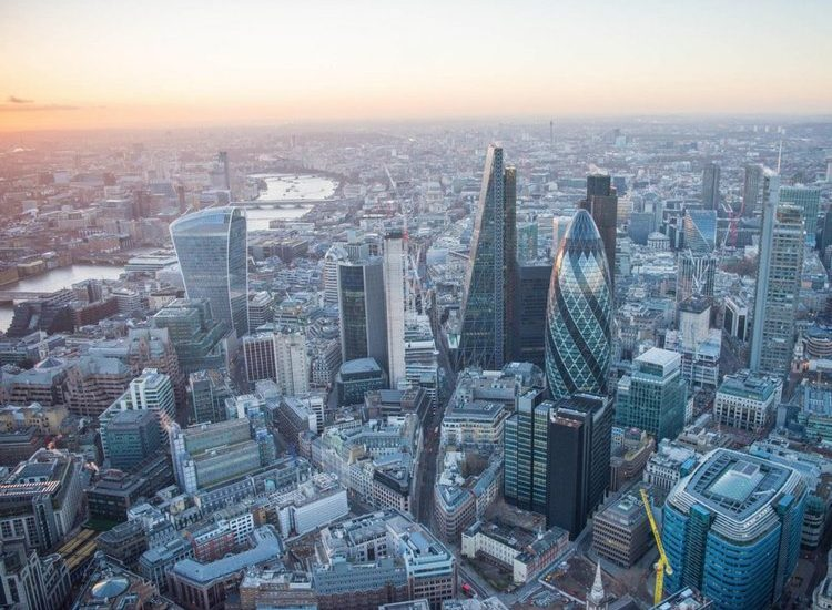 investors-from-south-korea-expected-to-spend-big-in-uk.jpg