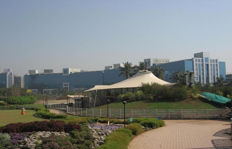 hadapsar-becomes-top-real-estate-hub-in-pune.jpg
